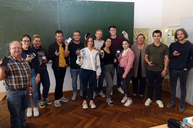 Aloys-Fischer-Schule erprobt private Handynutzung in der Schule