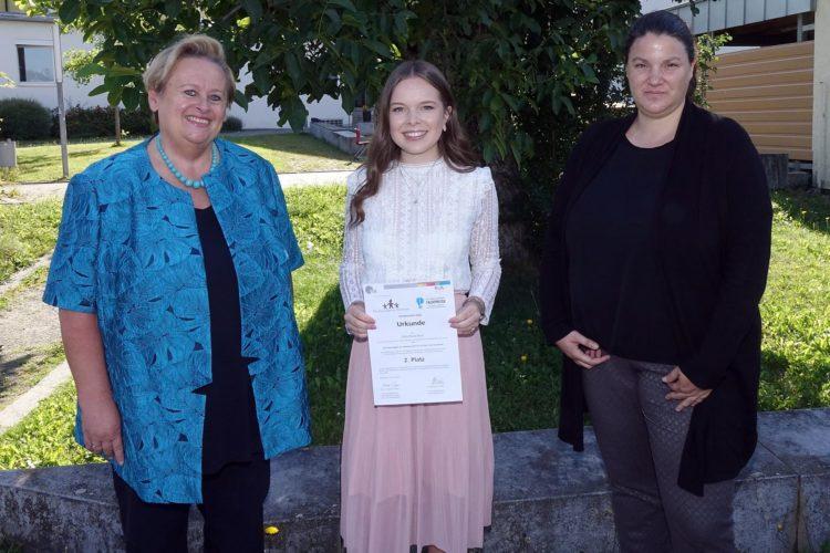 Schülerin der Aloys-Fischer-Schule mit Dr. Hans Riegel-Preis ausgezeichnet